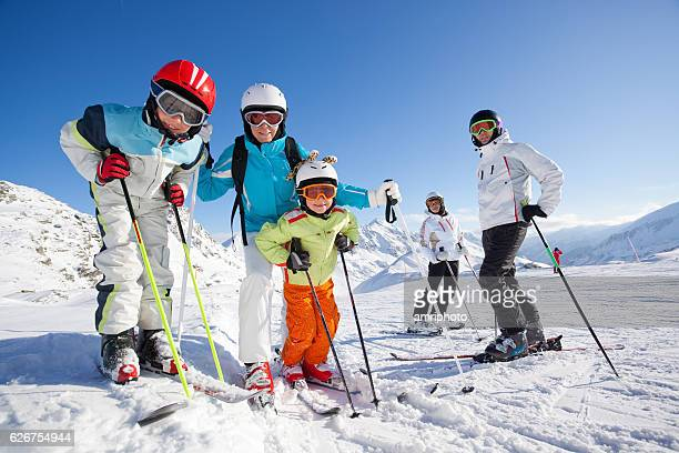 people skiing - wintersport stock-fotos und bilder
