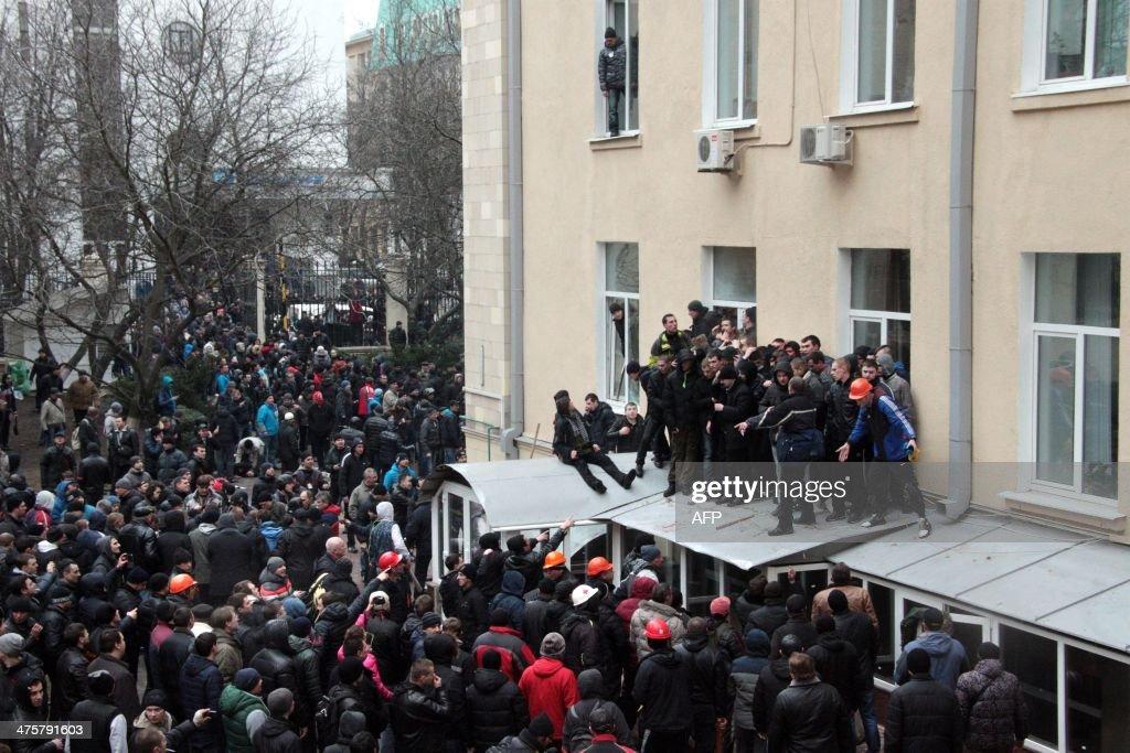 UKRAINE-POLITICS-UNREST-RUSSIA-KHARKIV : News Photo