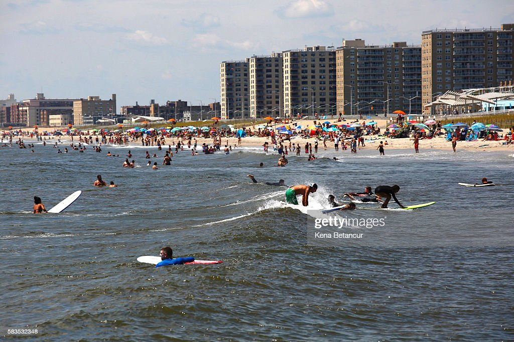 Heat Wave Continues To Pound New York City : News Photo