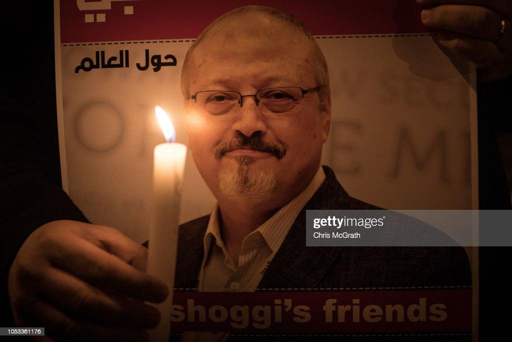 Vigil for Khashoggi at Saudi Consulate in Istanbul : News Photo