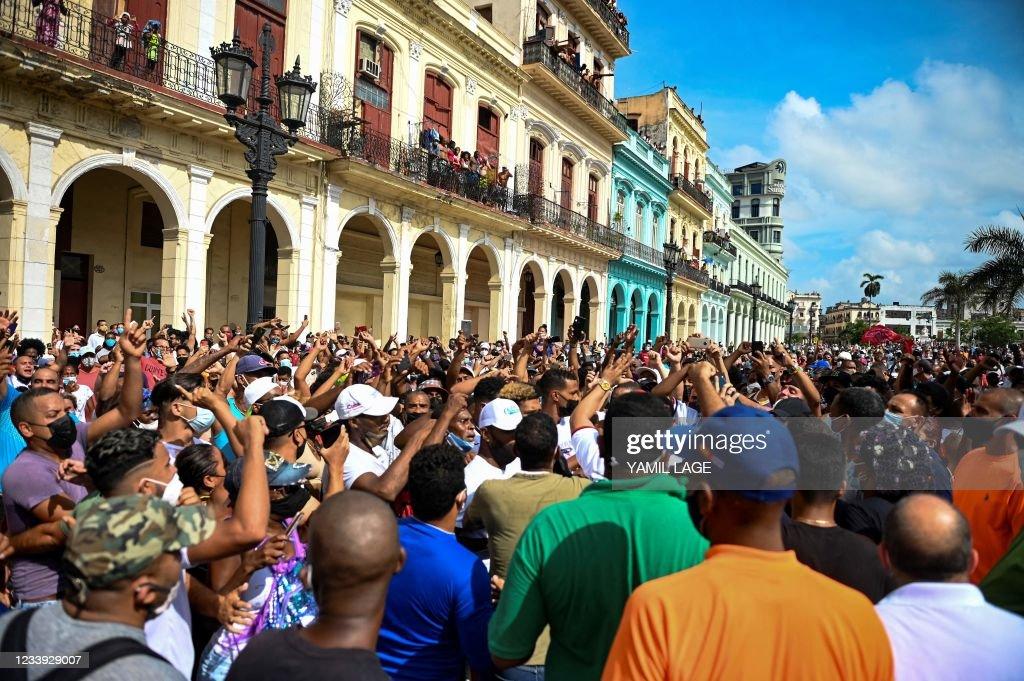 TOPSHOT-CUBA-POLITICS-DEMONSTRATION : News Photo