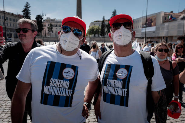ITA: Italian Business Owners Continue Protesting Against Covid-19 Restrictions