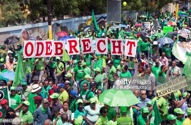 People take part in a march against corruption called by some 20 social associations in relation to corruption scandals linked to Brazil's...