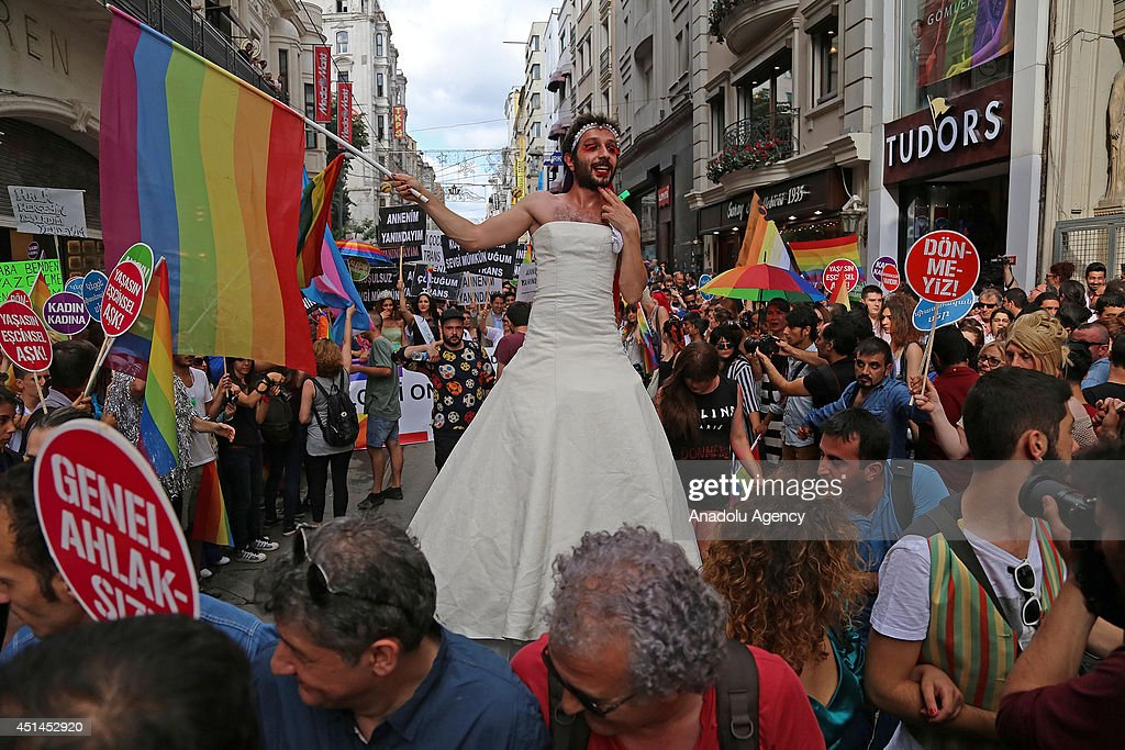 Gay Pride Istanbul : News Photo