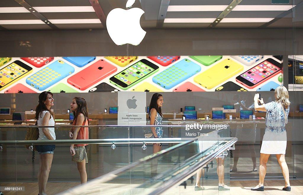 """Résultat de recherche d'images pour """"take a photo apple store"""""""