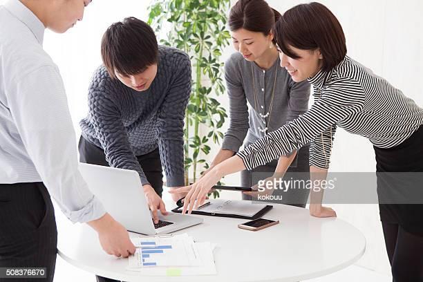 名様までのコンファレンスをお求めのお客様には、ノートパソコン