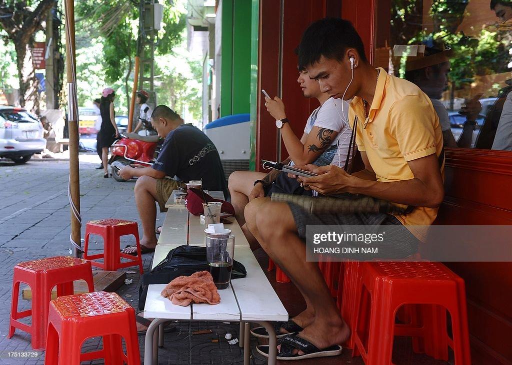 VIETNAM-RIGHTS-INTERNET-MEDIA-CENSORSHIP : News Photo