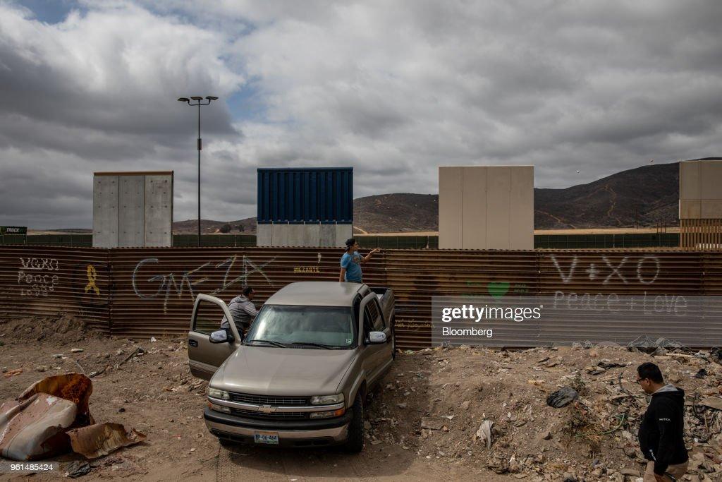 U.S. Mexico Border Wall As Presidential Candidate Lopez Obrador Dismisses Trump's Threats : News Photo