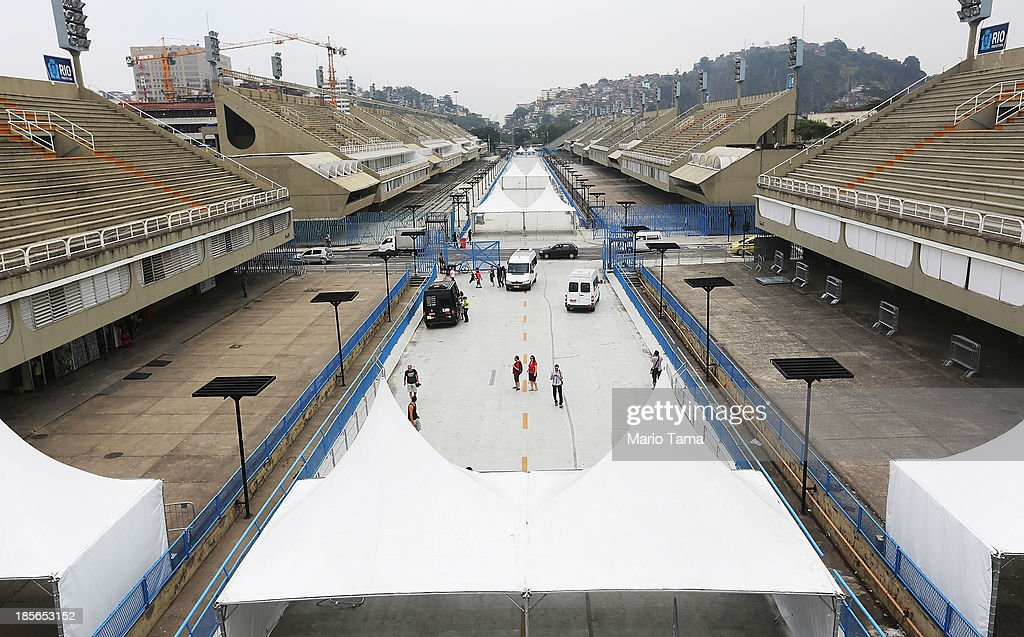 People view the famed Sambodromo during the 1st World Press Briefing for the Rio 2016 Olympic Games on October 23, 2013 in Rio de Janeiro, Brazil. Preparations for the Rio 2016 Olympic Games are continuing and the venue will host the marathon finish and archery during the Games.