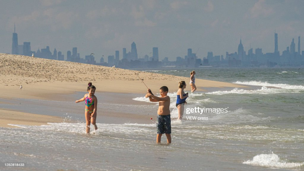 New Jersey continues it's reopening while the U.S. hit record for new coronavirus cases. : News Photo
