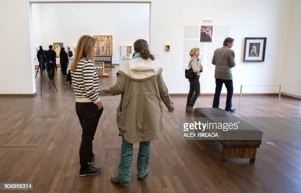 People visit the exhibition titled 'Vienna 1900' devoted to the key figures of the Viennese Modernism on January 18 2018 at the Leopold Museum in...