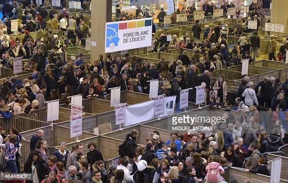 People visit the paris international agricultural fair at for Paris expo porte de versailles paris france