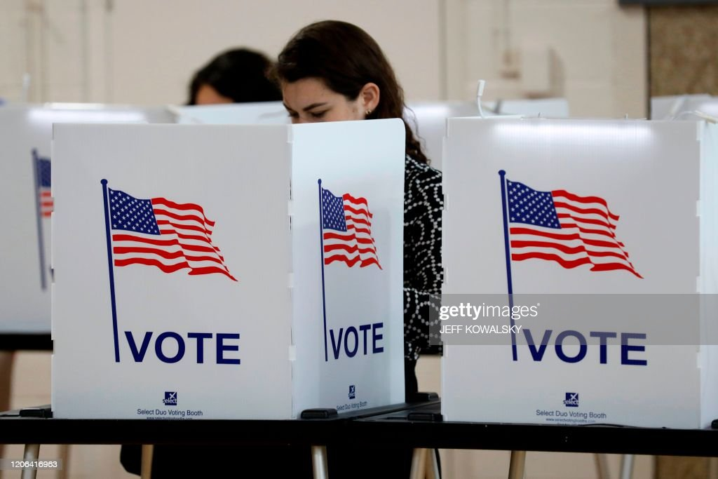 US-POLITICS-VOTE-MICHIGAN : News Photo