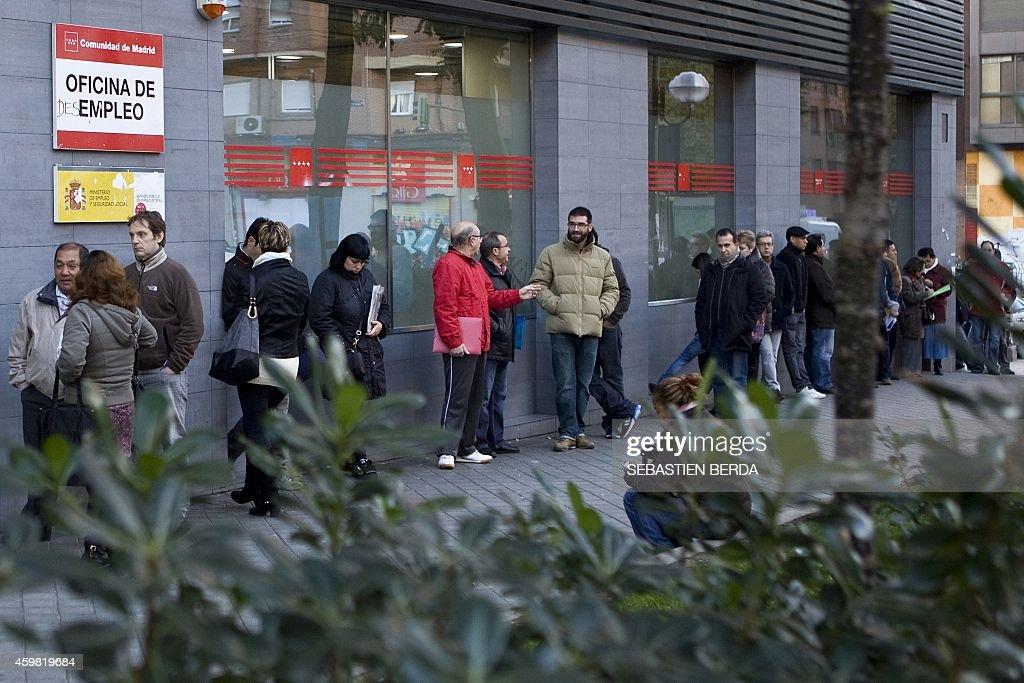 SPAIN-ECONOMY-UNEMPLOYMENT-LABOUR : News Photo