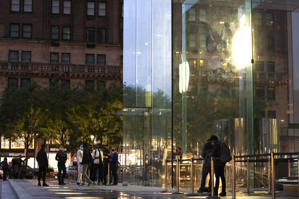 NY: New iPhone 12 Goes On Sale At Apple Stores