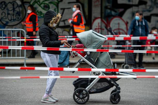 CHE: Geneva Offers Food Bank For The Needy During The Coronavirus Crisis