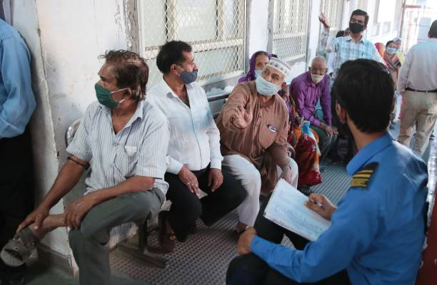 IND: Over 40 lakh People Vaccinated On Second Day Of  'Tika Utsav'