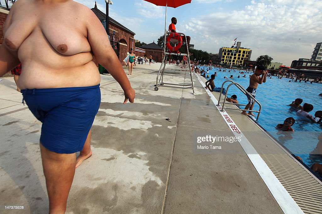 New York City Public Pools Open For Summer : News Photo