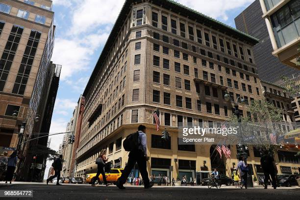c0007289fc0 People walk by Lord Taylor s flagship store on 5th Avenue in Manhattan on  June 6 2018
