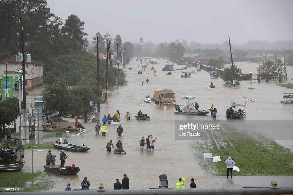Epic Flooding Inundates Houston After Hurricane Harvey : Nachrichtenfoto