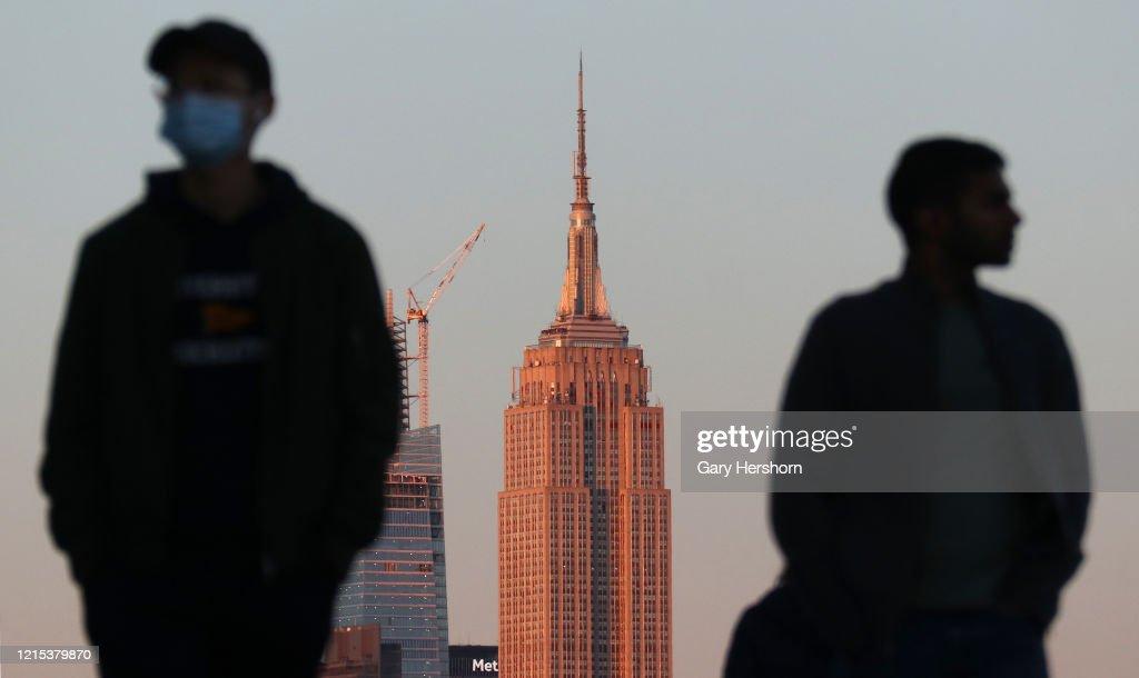 Sunset on Lower Manhattan in New York City : News Photo