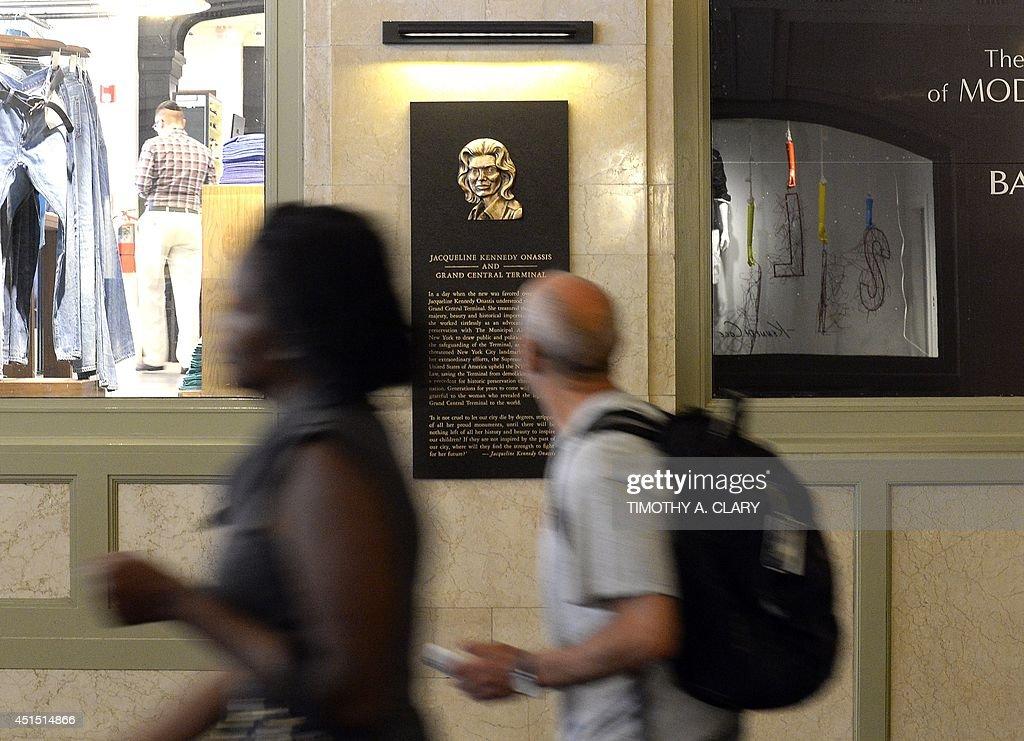 US-JACQUELINE KENNEDY ONASSIS VESTIBULE : News Photo