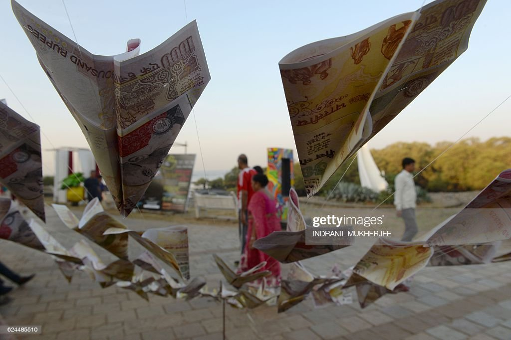 INDIA-ECONOMY-CURRENCY : News Photo