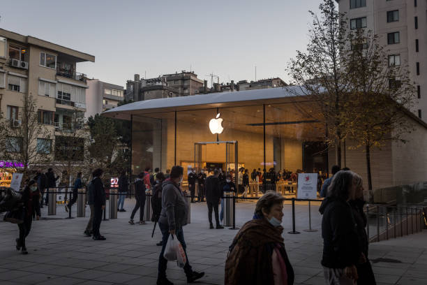 TUR: Apple Opens Third Retail Store In Istanbul
