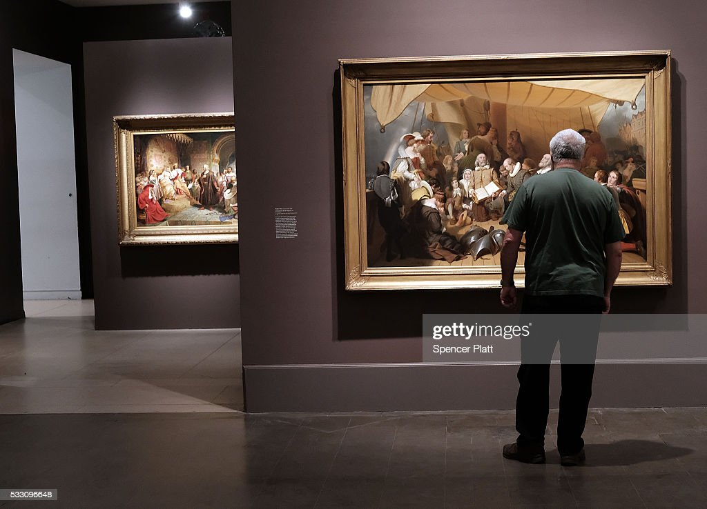 Deficit Simplified >> Photos et images de Brooklyn Museum To Undergo Round Of Budget Cuts   Getty Images