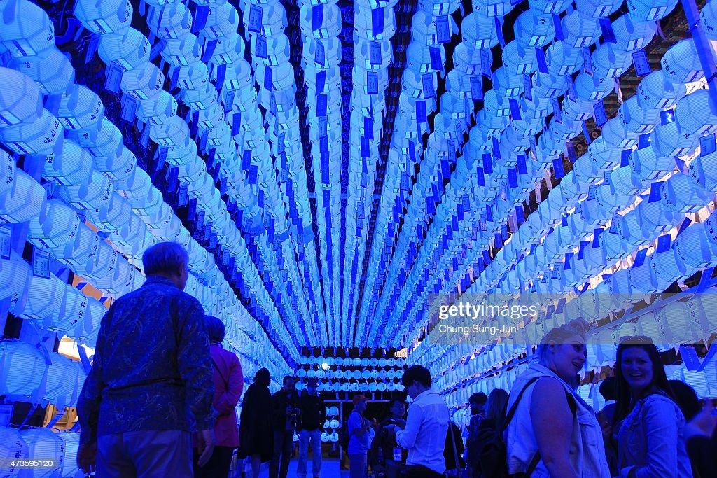 Lantern Festival Celebrates Buddha's Birthday : News Photo