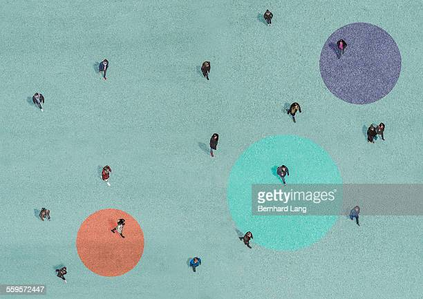 people walking, aerial views - verbindung stock-fotos und bilder