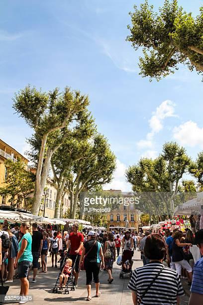 Menschen zu Fuß in Aix-en-Provence
