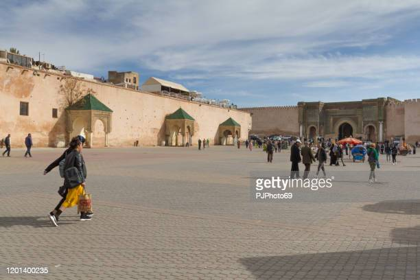 people walking in lahdim square in meknes - morocco - pjphoto69 foto e immagini stock