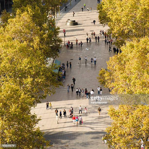 people walking on the las ramblas in barcelona - the ramblas stock pictures, royalty-free photos & images
