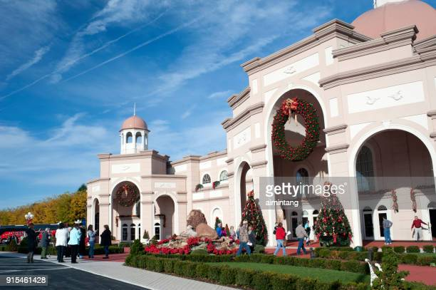 people walking or taking pictures outside sight & sound theaters in lancaster - lancaster county pennsylvania stock pictures, royalty-free photos & images