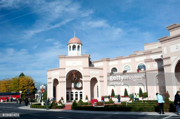 people walking outside sight & sound theaters in lancaster - lancaster county pennsylvania stock pictures, royalty-free photos & images