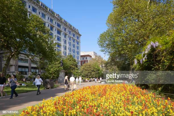 Victoria Embankment Gardens Stock Photos And Pictures Getty Images
