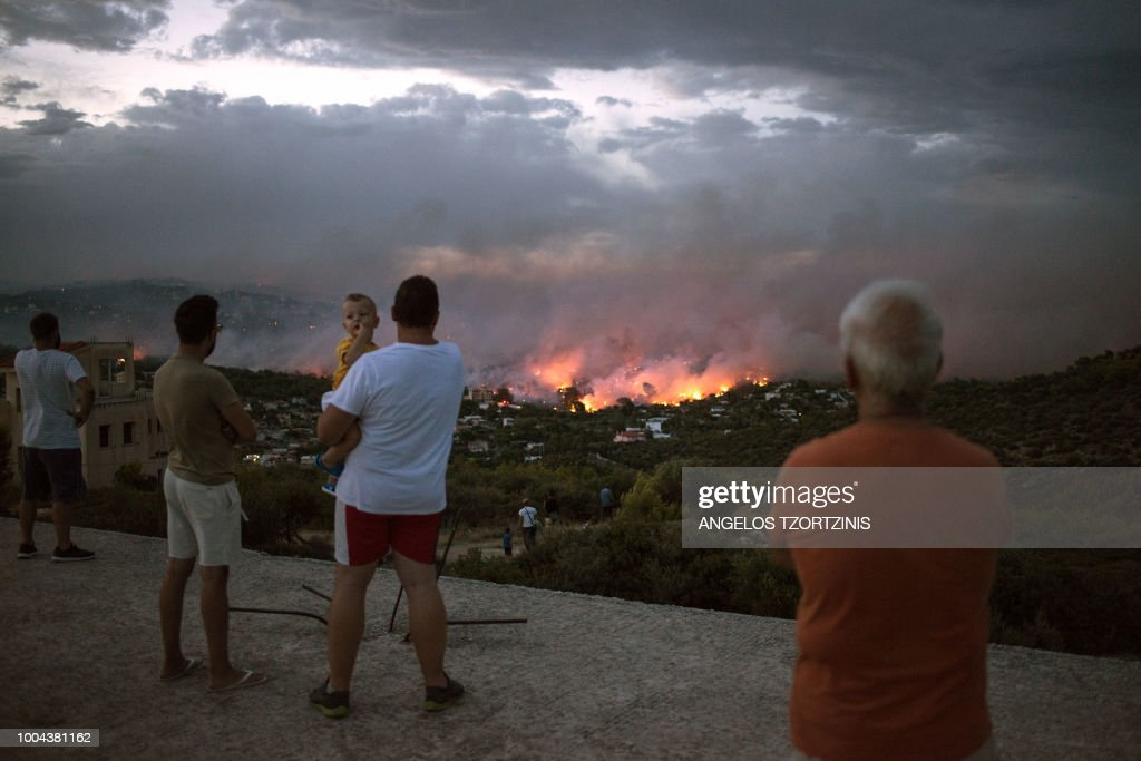 TOPSHOT-GREECE-FIRE : News Photo