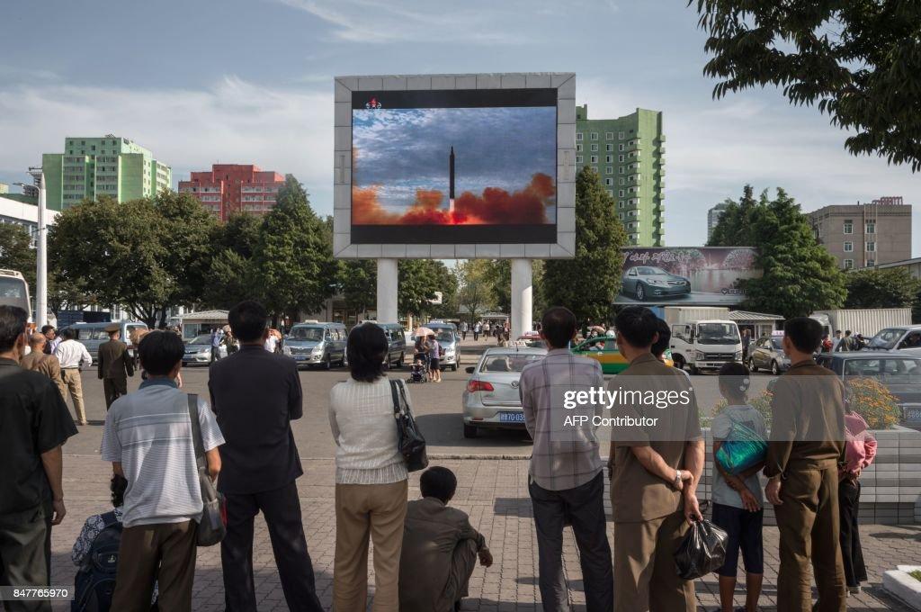 TOPSHOT-NKOREA-MISSILE-NUCLEAR : News Photo