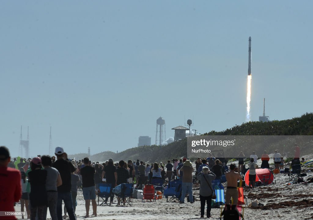 SpaceX Launches Cargo Mission To Space Station From Florida : ニュース写真