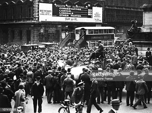 People Watching The Electoral Board Showing The Labour Party Victory In London On May 31St 1929