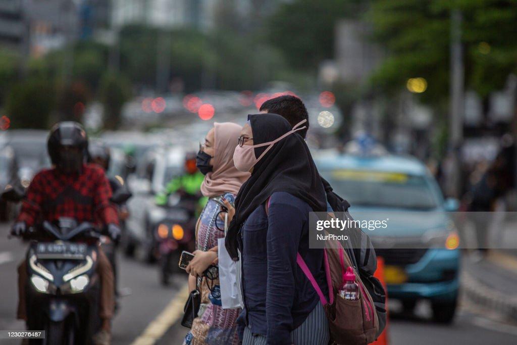 Daily Life In Jakarta Amid Coronavirus Pandemic : News Photo