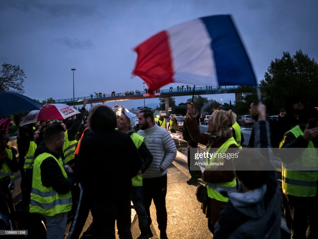 """""""Yellow Vests- Gilets Jaunes"""" Protest Against The Rise Of Fuel Oil Prices : Nieuwsfoto's"""