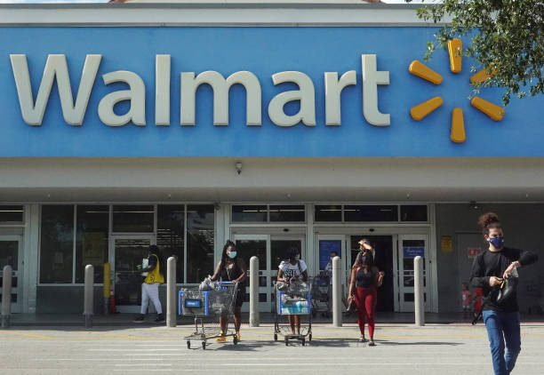 FL: Walmart Removes Mask Mandates For Vaccinated Customers And Employees
