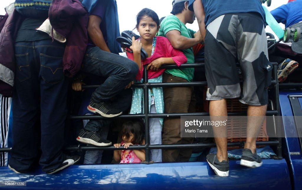 New Migrant Caravan Travels From Honduras To U.S. -Mexico Border : News Photo