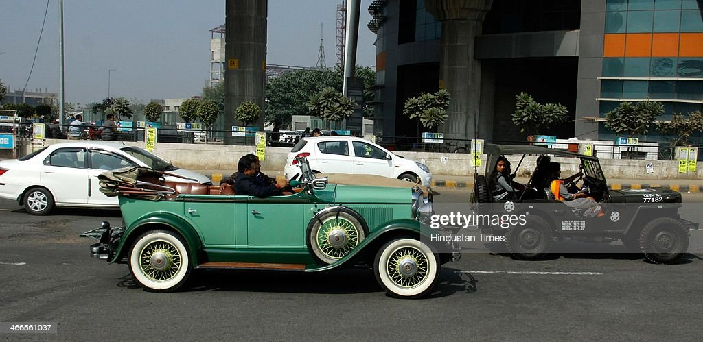 21 Gun Salute International Vintage Car Rally Photos and Images ...