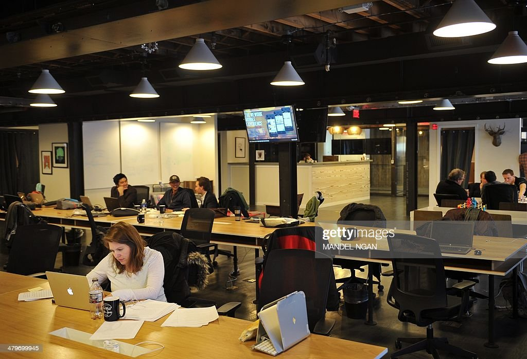US-IT-SECTOR-TREND-STARTUPS : News Photo