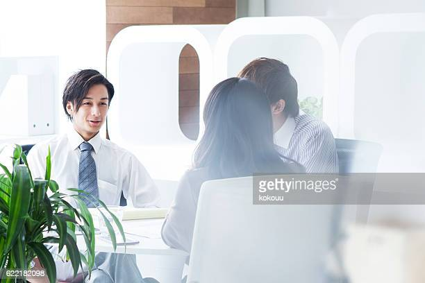 people working in a modern company - nur japaner stock-fotos und bilder