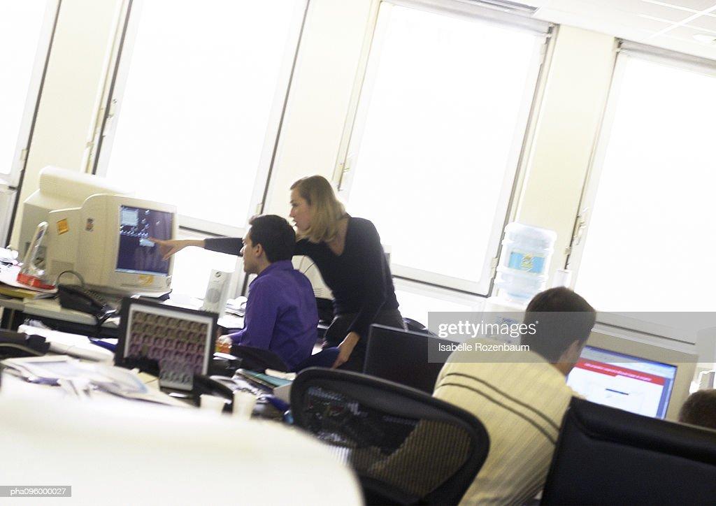 People working on computers : Stockfoto