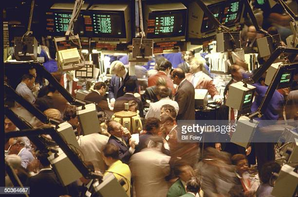 People working on the trading floor of the New York Stock Exchange